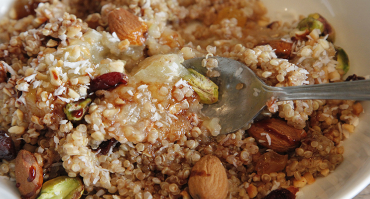 Quinoa Porridge with Fruit and Nuts